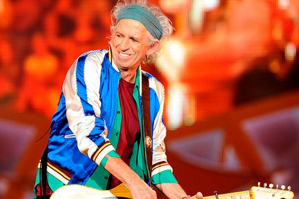 Placeholder - loading - Keith Richards deseja começar novo disco com os Rolling Stones em abril Background