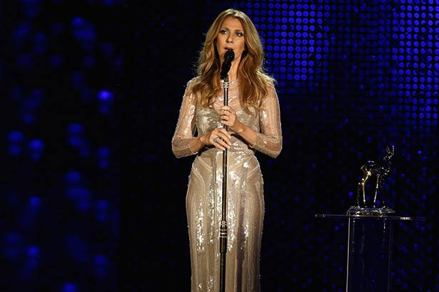 Placeholder - loading - Celine Dion chora em evento de homenagem ao marido Background