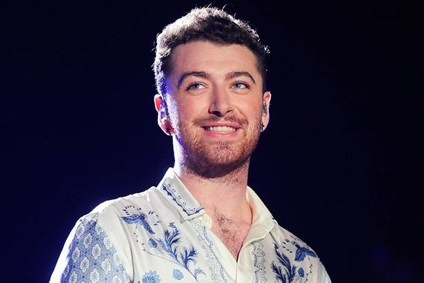 Sam Smith conta seus planos para os próximos meses Background