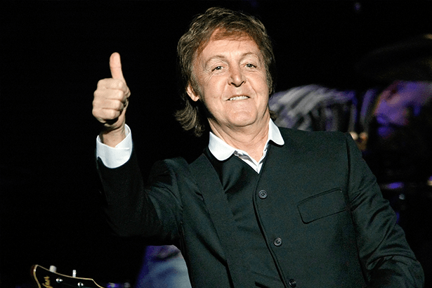 "Paul McCartney estrelará o filme ""Piratas do Caribe 5"" Background"