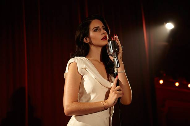 "Lana Del Rey estreia o single ""Music To Watch Boys To"" Background"