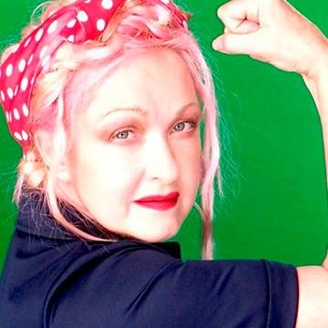 Placeholder - loading - Cyndi Lauper celebra o Dia Nacional da Igualdade Feminina Background