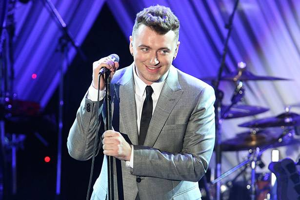 Sam Smith participa do programa The Tonight Show Background