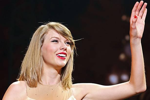 Taylor Swift faz doação a sobrinho de dançarino com câncer Background