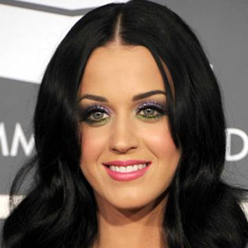 Katy Perry propõe discussão sobre porte de arma nos Estados Unidos Background