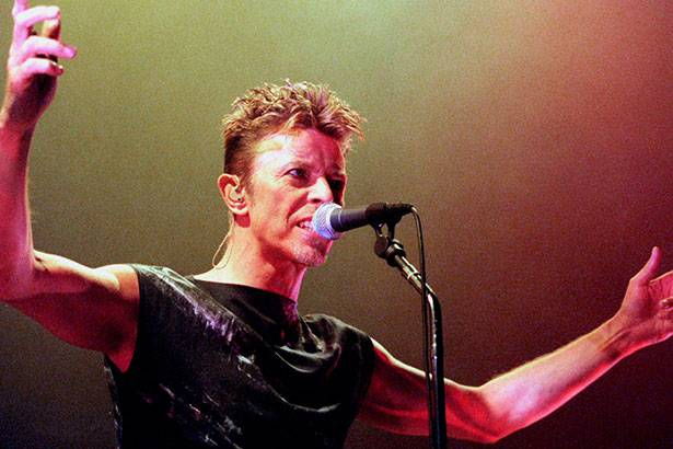 David Bowie ganha tributo na Califórnia Background