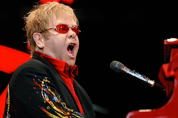 Felicidades ao astro Elton John! Background