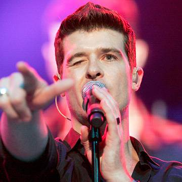 "Placeholder - loading - Confira ""Back Together"", a nova canção de Robin Thicke"