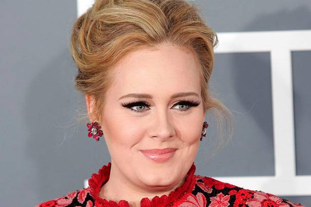 Álbum de Adele retorna ao topo da Billboard 200 Background