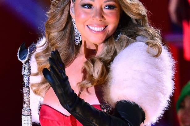 Mariah Carey atuará em telefilme de Natal Background