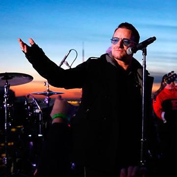 Show do U2 em Nova Iorque tem participação de Jimmy Fallon Background