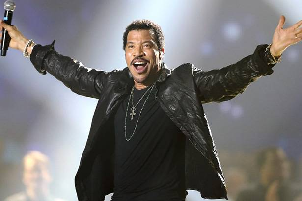 Lionel Richie anuncia shows no Brasil em 2016 Background