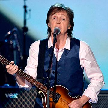 "Paul McCartney toca ""FourFiveSeconds"" no Lollapalooza Chicago Background"