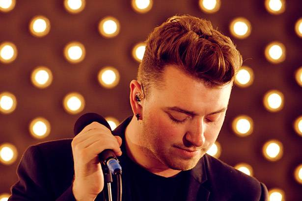 "Sam Smith libera sua versão do single ""Love Is A Losing Game"", de Amy Winehouse Background"