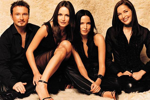 "The Corrs divulga clipe do single ""Bring On The Night"" Background"