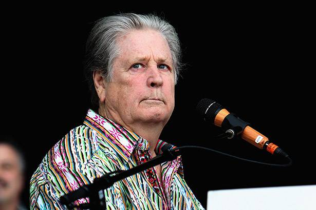 Brian Wilson fará turnê em homenagem aos 50 anos do disco Pet Sounds Background