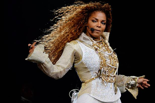 Janet Jackson nega boatos sobre tumor nas cordas vocais Background