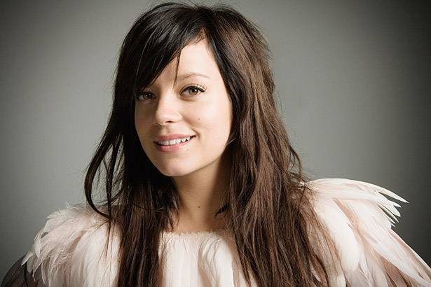 "Lily Allen lança duas faixas para o filme ""Peter Pan"" Background"