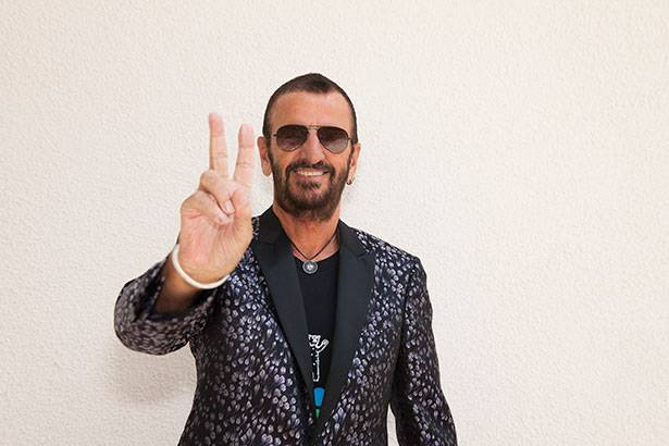 Ringo Starr exibe fotos exclusivas em galeria de Londres Background