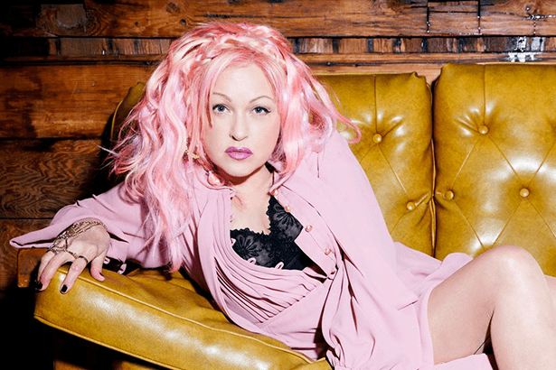 Placeholder - loading - Confira o novo clipe de Cyndi Lauper Background