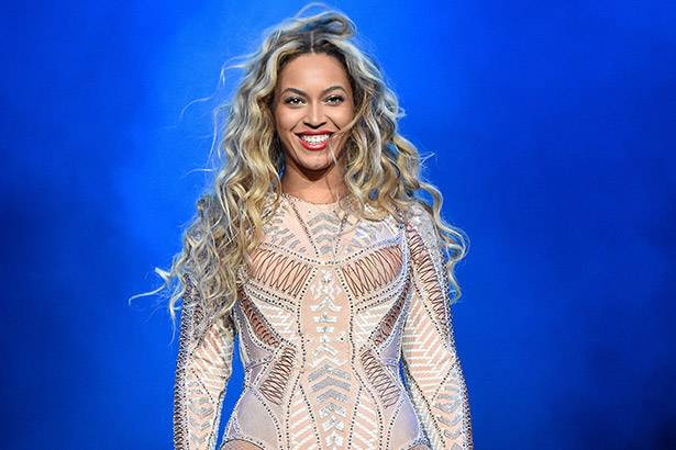 "Beyoncé pode arrecadar US$ 250 milhões com 41 shows da ""Formation Tour"" Background"