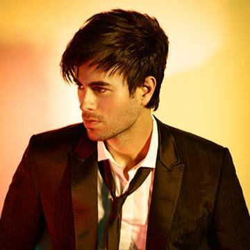 Placeholder - loading - Enrique Iglesias assina contrato com a Sony Music