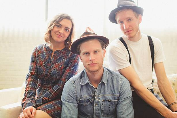 Grupo The Lumineers lançará novo disco Background