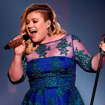 Veja os últimos covers feitos por Kelly Clarkson nos shows Background