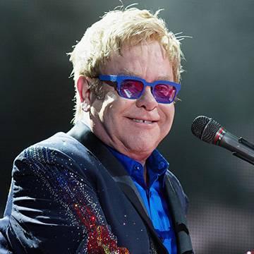 Veneza retira das escolas livros sobre gays e Elton John faz crítica Background