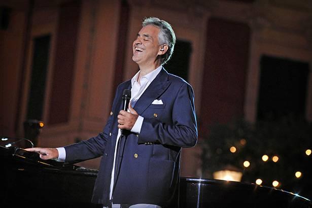 Em menos de 48 horas, ingressos para show de Andrea Bocelli no Brasil quase esgotam Background