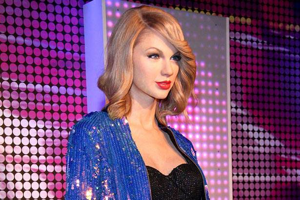 Taylor Swift ganha estátua de cera no Museu Madame Tussauds de Berlim Background