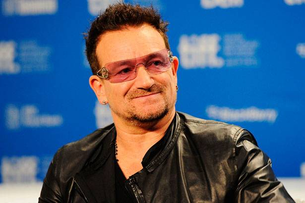 Bono Vox elogia a Europa por receber refugiados Background