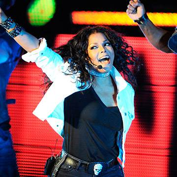 Com clássicos e músicas novas, Janet Jackson inicia a turnê Unbreakable Background
