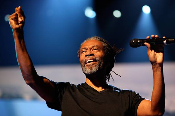 Placeholder - loading - Show de Bobby McFerrin em festival no Brasil é cancelado Background