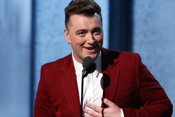Sam Smith entra duas vezes para o Guiness World Records Background