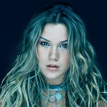 "Assista! Joss Stone canta ""Love Me"" em programa ao vivo Background"