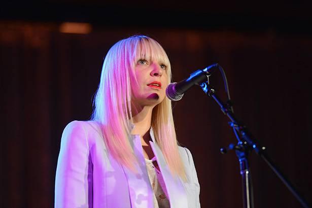 Sia poderá lançar documentário sobre a própria vida Background