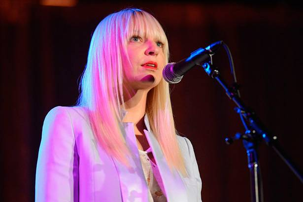 Placeholder - loading - Confira apresentação de Sia em programa norte-americano Background
