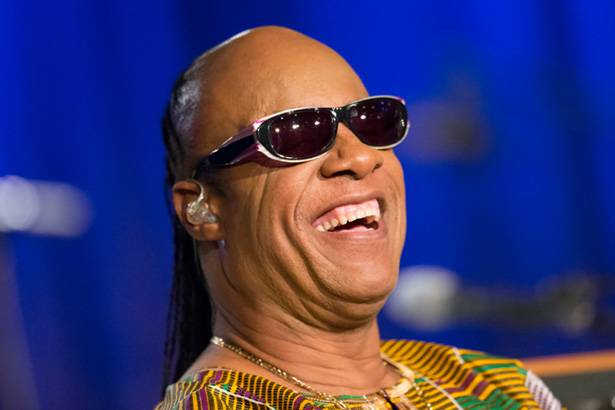 Stevie Wonder participa de quadro humorístico nos Estados Unidos Background