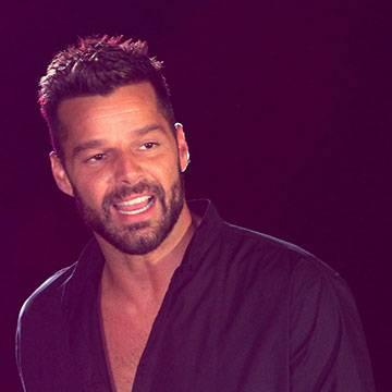"""Confira! Canção """"La Mordidita"""", de Ricky Martin, ganha clipe oficial Background"""