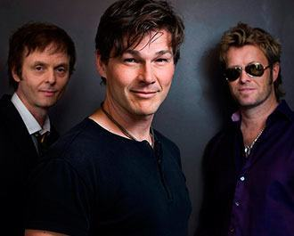 "Placeholder - loading - Relembre a música ""Take On Me"", sucesso que revelou a banda A-Ha Background"