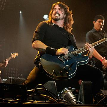 Foo Fighters retomarão os shows nesta semana Background