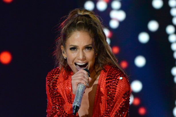 Confira performance de Jennifer Lopez em programa norte-americano Background