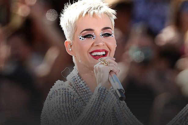 Katy Perry e mais fazem performances no VMA; assista Background