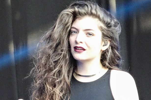 Gravadora revela lançamento de novo álbum de Lorde Background