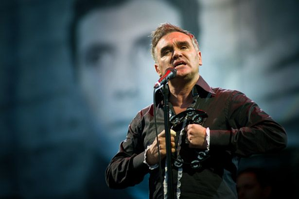 Morrissey descarta retorno da banda The Smiths Background