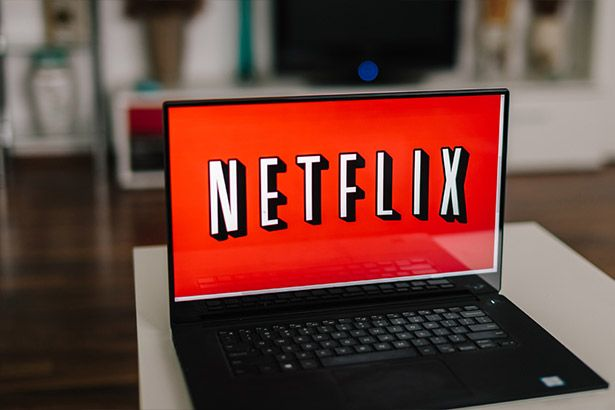Novo aplicativo ajuda a encontrar filmes escondidos na Netflix Background
