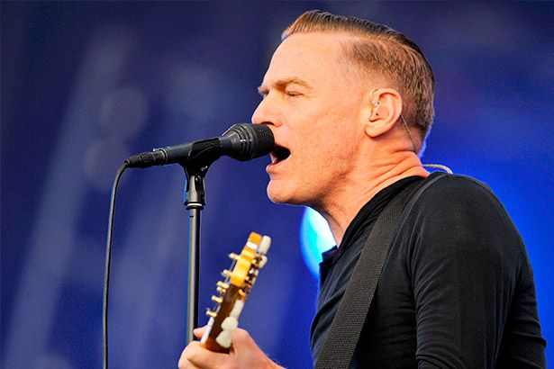 Bryan Adams cancela show como protesto contra lei anti-LGBT Background