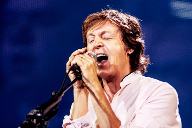 Paul McCartney no Brasil em 2017 Background