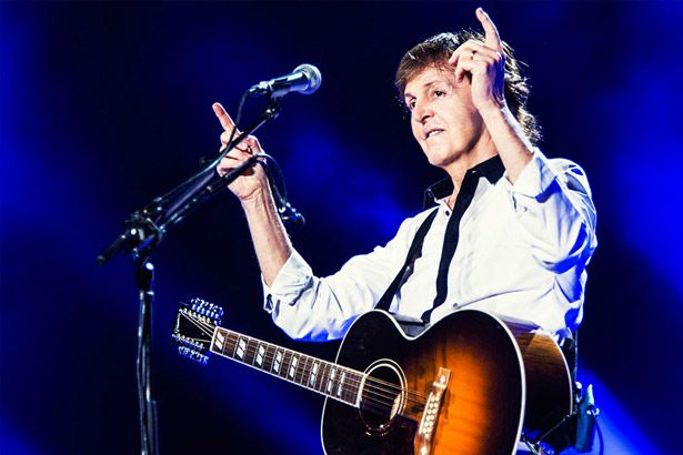 "Saiba como foi o primeiro show da ""One One Tour"", de Paul McCartney Background"